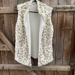 Reversible quilted faux fur vest Cream Size M